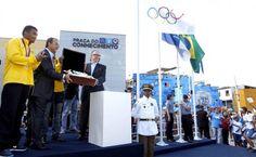 Bandeira olímpica é levada ao Complexo do Alemão