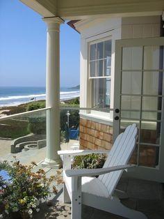 My dream Beach Cottage zen moment. Coastal Cottage, Coastal Homes, Coastal Living, Beach Homes, Nantucket Cottage, Nantucket Style, Cottages By The Sea, Beach Cottages, Porches