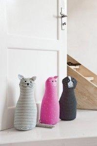 selbermachen t rstopper basteln hund katz t rstopper. Black Bedroom Furniture Sets. Home Design Ideas