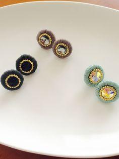 スワロフスキー刺繍ピアス✳︎ブラック | ハンドメイド、手作り作品の通販 minne(ミンネ)