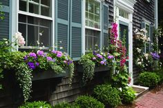 Nantucket-cottage style is all about feeling good in your own home.