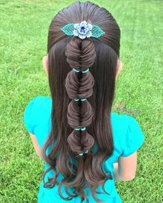 30 Super Cute Hairstyles For Little Girls Looking for some funky and pretty hairstyles for little girls? 30 Cute hairstyles for your little girl as she heads back to school this winter. These trendy girls hairstyles are perfect for dressing up any back to Super Cute Hairstyles, Baby Girl Hairstyles, Princess Hairstyles, Creative Hairstyles, Braided Hairstyles, Kids Hairstyle, Hairdos, Children Hairstyles, Wedding Hairstyles