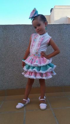 Vestidos de flamenca (@modaflamenca1)   Twitter Little Girl Outfits, Cute Outfits For Kids, Little Girl Fashion, Boy Fashion, Little Girls, Womens Fashion, Be My Valentine, Chic Outfits, Pretty Dresses