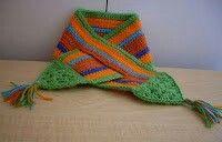 http://craftybegonia.blogspot.com/2009/10/easy-triangled-neck-warmer.html
