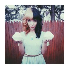 ♡ Pastel soft grunge aesthetic ♡ ☹☻ Melanie Martinez ♡☻☹♥ melanie martinez's hair is flawless Cry Baby, Adele, Her Music, Celebs, Celebrities, Her Hair, Love Her, Beautiful People, The Voice