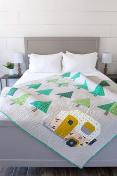 Up North Quilt Pattern. A throw size quilt pattern perfect for the outdoor enthusiast OR for people who just think campers and trees are the cutest. Beginner Quilt Patterns, Quilting For Beginners, Modern Quilt Patterns, Beginner Quilting, Quilt Modern, Diy Sewing Projects, Quilting Projects, Quilting Ideas, Craft Projects