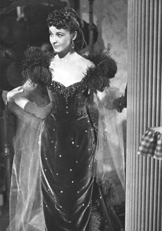 """m """" Behind the scenes shot of Vivien Leigh in Gone With the Wind (1939) """""""