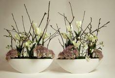 Laboratorium Bez Wody - wiosenna kompozycja targowa ze sztucznych tulipanów oraz naturalnych i sztucznych patyków jabłonki / silk tulips arrangement