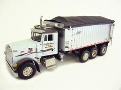 Peterbilt 357 Rigid with East Genesis Dump Truck SWORD 2042-RKT 1/50 Diecast