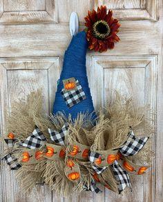 Fall Mesh Wreaths, Diy Fall Wreath, Fall Diy, Door Wreaths, Halloween Mesh Wreaths, Wreath Ideas, Fall Door Decorations, Harvest Decorations, Fall Halloween