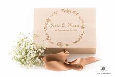 #Caja #anillos #boda Jesús y María, pintada a mano. www.lolagranado.com