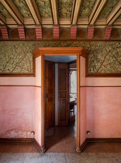 Gaudí's first built