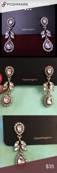 💎Banana Republic Crystal Chandelier Drop Earrings Banana Republic Crystal Chandelier Drop Earrings. Classic. Perfect for a formal or semi-formal occasion, or a night out. Hypoallergenic! {NWT} Banana Republic Jewelry Earrings