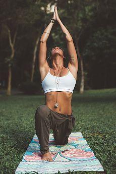 yoga photography ~ yoga _ yoga poses _ yoga poses for beginners _ yoga fitness _ yoga quotes _ yoga inspiration _ yoga outfit _ yoga photography Yoga Fitness, Sport Fitness, Physical Fitness, Fitness Shirts, Fitness Apparel, Workout Fitness, Fitness Classes, Yoga Classes, Post Workout