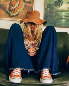 Hippie style and grunge fashion Hippie Style Clothing, Hippie Outfits, Grunge Outfits, Grunge Fashion, 70s Fashion, Vintage Fashion, Fashion Outfits, Fashion Trends, Gypsy Clothing
