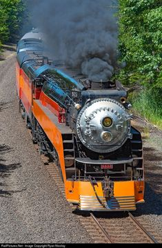 SP 4449 Southern Pacific Railroad Steam at Boneville, Washington by Ryan Nicolay Old Steam Train, Planes, Railroad Pictures, Union Pacific Railroad, Bonde, Railroad Photography, Old Trains, Train Pictures, Train Engines