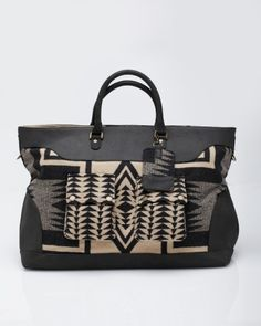 Pendleton overnight bag. Wooly amazingness - I want to go somewhere, just to take this bag! :D