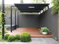 Moderne tuinen | Moderne tuin bij een twee onder één kap woning