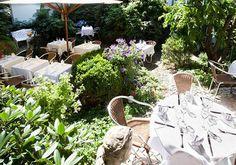 Idylischer Garten im Aussen Alster Hotel