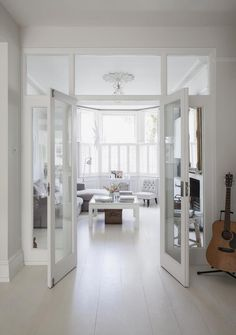 Glass double doors into the sitting room – separating rooms Glasdubbeldörrar till vardagsrummet – separerade rum Brighton, Room Divider Doors, Divider Design, Separating Rooms, Internal Doors, Dining Room Design, Dining Area, Living Room Bedroom, Bedroom Doors