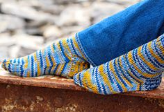 Ravelry: Askoo sock pattern by Corrine Walcher