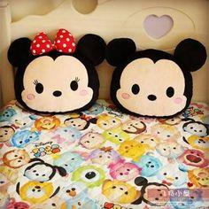 Almofadas mikey e minnie mouse. Uma ótima ideia para decorar seu quarto.