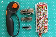 How to Make your own Bias tape - Materials include a rotary cutter, bias tape makers of various sizes and fabric Make Your Own, Make It Yourself, How To Make, Make Bias Tape, Dress Sewing Patterns, Skirt Patterns, Coat Patterns, Blouse Patterns, Smocking Tutorial