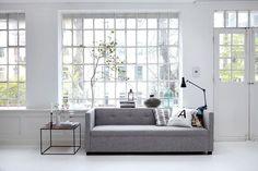Sofa recto con botones