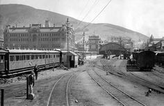 Cape Town Railway Station in South Africa in 🌍 Old Pictures, Old Photos, South African Railways, Cities In Africa, Most Beautiful Cities, Amazing Places, African History, Train Travel, Cape Town