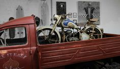 Rat Rods, Peugeot, Side Car, Old Bikes, Cars And Motorcycles, Antique Cars, Vehicles, Freedom, Motorbikes