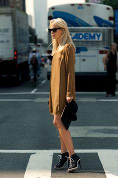 simple dress, interesting shoes ELIN KLING
