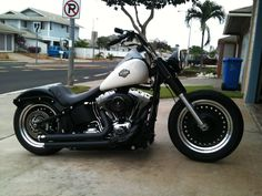Calling all FatBoy Lo Owners - Harley Davidson Forums Harley Davidson Forum, Harley Davidson Motorcycles, Custom Motorcycles, Custom Bikes, Harley Fatboy, Harley Bikes, Softail Bobber, Bobber Motorcycle, Bike Style