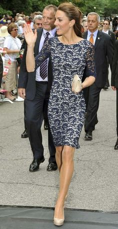 Kate Middleton charms on Canada tour in sexy blue lace dress and nude heels - CelebsNow Moda Kate Middleton, Kate Middleton Style, Kate Middleton Fashion, How To Have Style, Love Her Style, Royal Fashion, Look Fashion, Fashion Photo, Fashion Tag