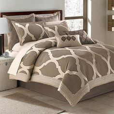 Arrow Milano 8 Piece King Comforter Bed in a Bag Set NEW (Clearance)