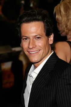 """British actor Ioan Gruffudd, """"Ringer"""", """"Fantastic Four"""", """"Horatio Hornblower"""", James Cameron's """"Titanic"""" (5th officer Lowe-the one that picked up Rose)"""