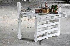 Homemade table with pallet