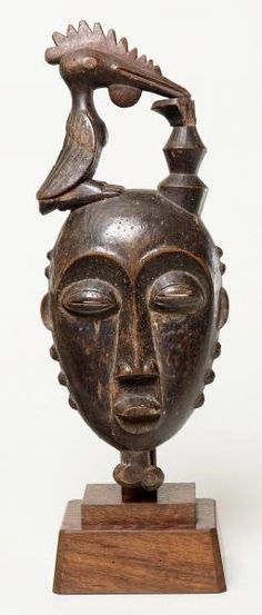 Portrait  (Mblo) - 19th–early 20th century Baule peoples. Côte d'Ivoire - Wood and pigment.