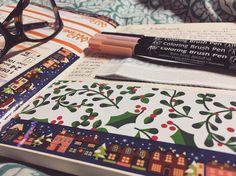 """Páči sa mi to: 25, komentáre: 3 – Dominika Imrichová (@ms_domca) na Instagrame: """"Christmas is coming ✨🎄❄️ #christmas #christmastime #christmasiscoming #journal #journaling…"""" Christmas Is Coming, Christmas Time, Coloring Brush Pen, My Journal, Journaling, Ms, Instagram Posts, Caro Diario"""