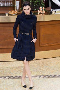 Chanel - Fall 2015 Ready-to-Wear - Look 28 of 98 - - Fashion - Mode - Moda - мода - Muoti - موضة - אופנה - 时尚