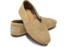 Weve brought an earthy material to a familiar silhouette for a look thats relaxed and comfortable. - Burlap upper with TOMS toe-stitch, and elastic V for easy on and off - TOMS classic suede insole