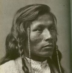 Odawa (Ottawa) Indian tribe, lived in the northern lower peninsula of Michigan (Traverse city, in essence) along with the Ojibwa(Chippewa) and the Potawatomi tribes, whom were all very amicable and social. Indian Tribes, Native Indian, Native Art, Apache Indian, Red Indian, Native American Images, Native American Tribes, Native American History, Canada
