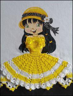 BOA NOITE MENINAS! MAIS UM TRABALHINHO, MAIS ALGO QUE AMEI FAZER...  BEIJOS E TENHAM UMA ÓTIMA SEMANA. Crochet Diy, Crochet Doll Clothes, Fabric Painting, Quilling, Diy And Crafts, Applique, Quilts, Embroidery, Crochet Edgings