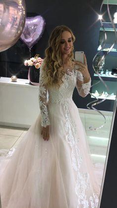 Wedding Dress Tight, Aline Wedding Dress Lace, Boho Wedding Dress With Sleeves, Sweetheart Wedding Dress, Long Wedding Dresses, Long Sleeve Wedding, Tulle Wedding, Bridal Dresses, Wedding Gowns