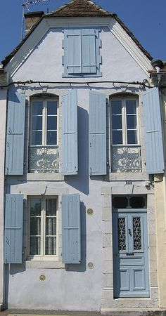 White home with blue shutters ~ Orthez, Aquitaine