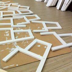 Å male og tapetsere møbler er en morsom måte å oppdatere hjemmet på, samtidig som man gir nytt liv til gjenstander. Her viser vi deg hvordan en trappe...
