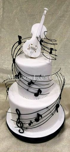 Music Themed Cake By Tiquis Miquis Happy Birthday Mom Cakes