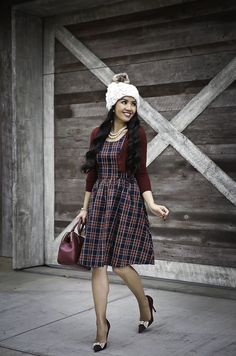 What to wear for Thanksgiving and Christmas - holiday plaid dress chunky knit hat christmas outfit