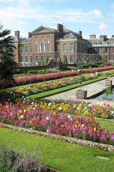 Kensington Palace & Gardens - Things to do in London - The Trusted Traveller