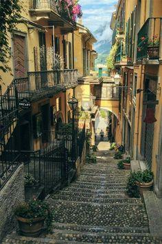 Vicolo di Bellagio, lago di Como, Italy