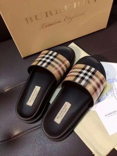 Dr Shoes, Swag Shoes, Hype Shoes, Me Too Shoes, Sneakers Fashion, Fashion Shoes, Fashion Fashion, Cute Slippers, Chanel Slippers